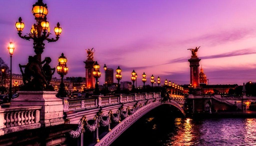 paris-2499022_640