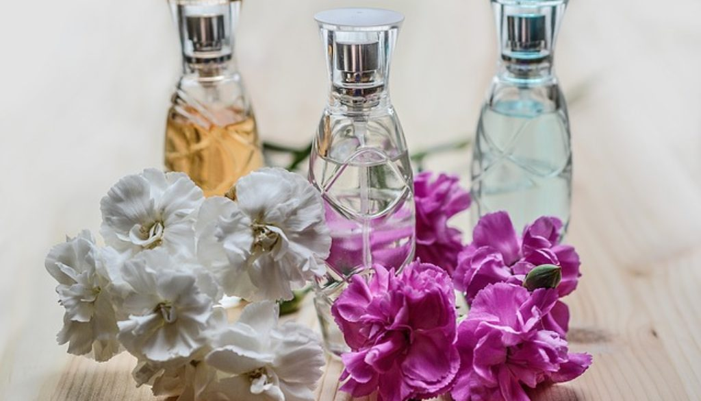 perfume-1433653_640
