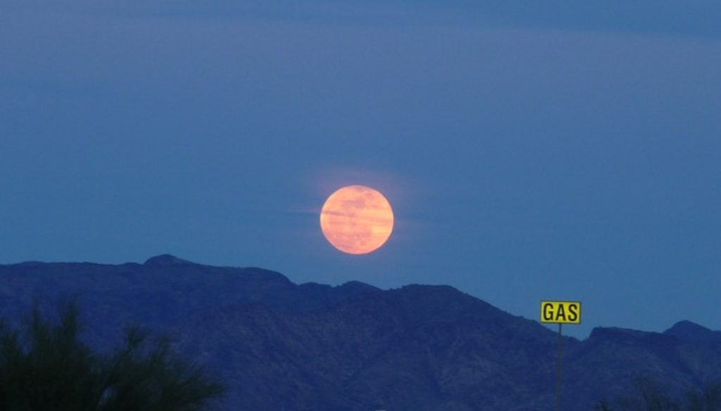 full-moon-176751_640